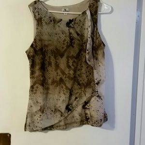 Woman's brown animal print top sz L